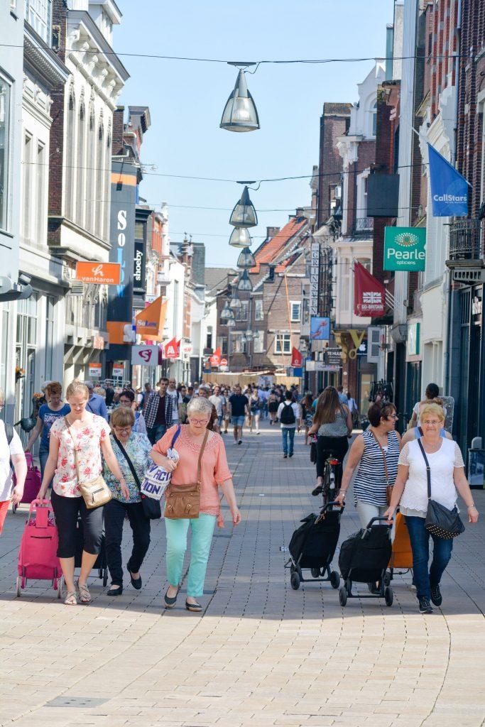 Deze afbeelding heeft een leeg alt-attribuut; de bestandsnaam is Binnenstad-Tilburg-683x1024.jpg